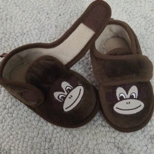 Other - 5 / 6 Baby Toddler Slippers